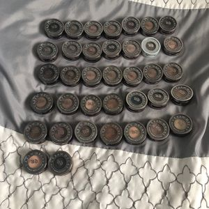 Urban Decay Makeup - Bundle of 36 Urban Decay Eyeshadows